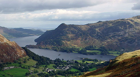 Special flights through the stunning Lake District leaving from Carnforth. A whole hour in the helicopter for only �185!